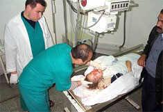 Rachel im Najjar-Hospital in Rafah, Okkupiertes Gaza. Die israelische Tageszeitung 'Ha'aretz' berichtet, laut Dr. Ali Mussa, Arzt des Hospitals, war Rachel Corries Tod Folge